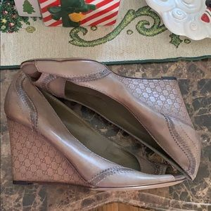 Gucci wedges heel size 12